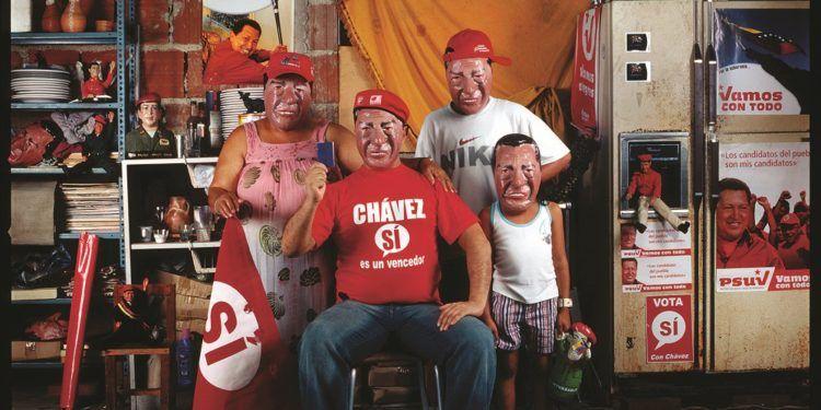 La familia en el Pensamiento Único Foto: Nelson Garrido