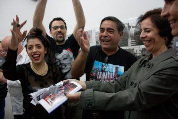 Gala Garrido, Alejandro Sebastiani, Nelson Garrido y Rebeca Guerra Bolet, bautizando el libro. Foto: Gerardo Rojas