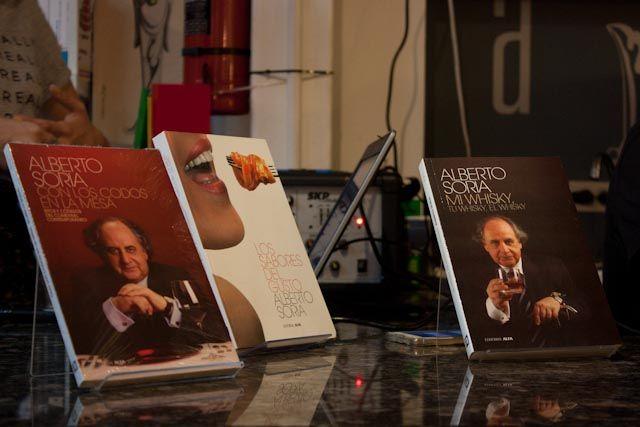 algunos-de-los-libros-publicados-por-soria