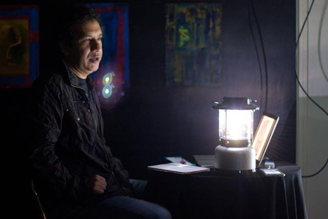 Vladimir Marcano durante la presentación del libro en la Galería Tresy3 Foto: Gerardo Rojas