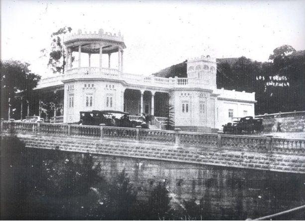 Villa Teola subiendo por Puente Castro en 1940