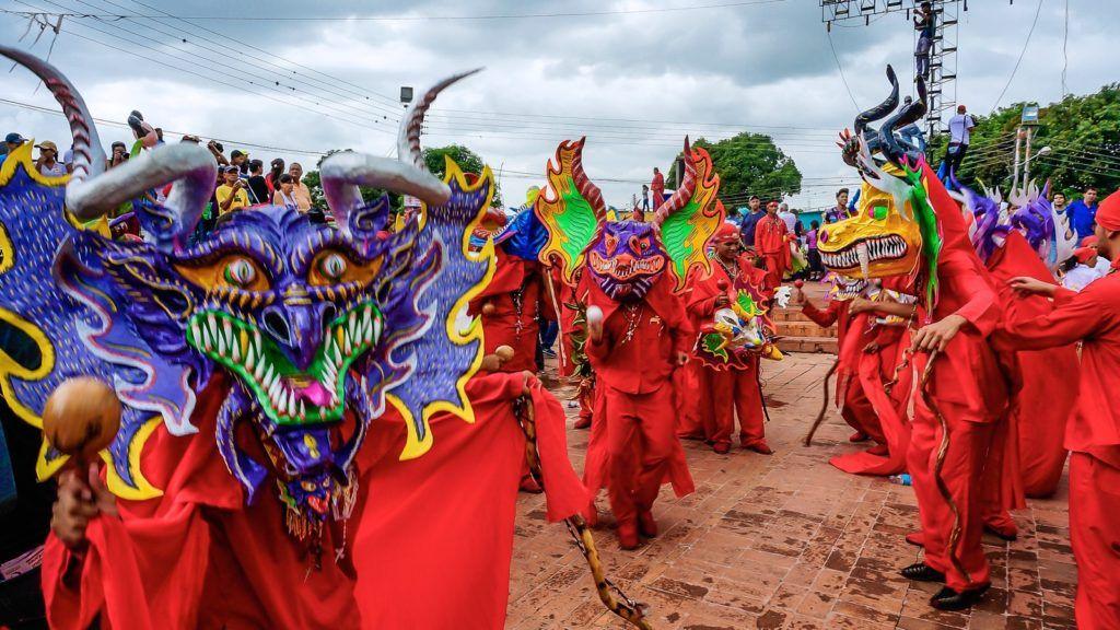 Baile ritual de los Diablos Danzantes de Yare
