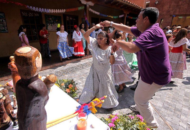 Baile de Tamunangue en honor a San Antonio. Foto: Fundación Bigott