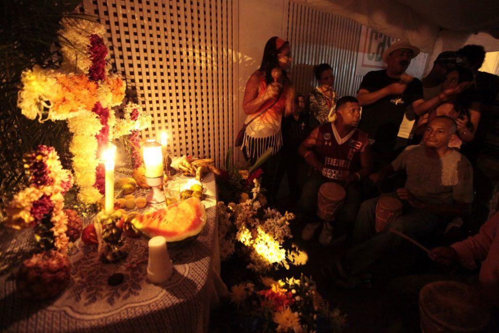 Celebración a la Cruz de Mayo en El Pedregal. Foto: AVN