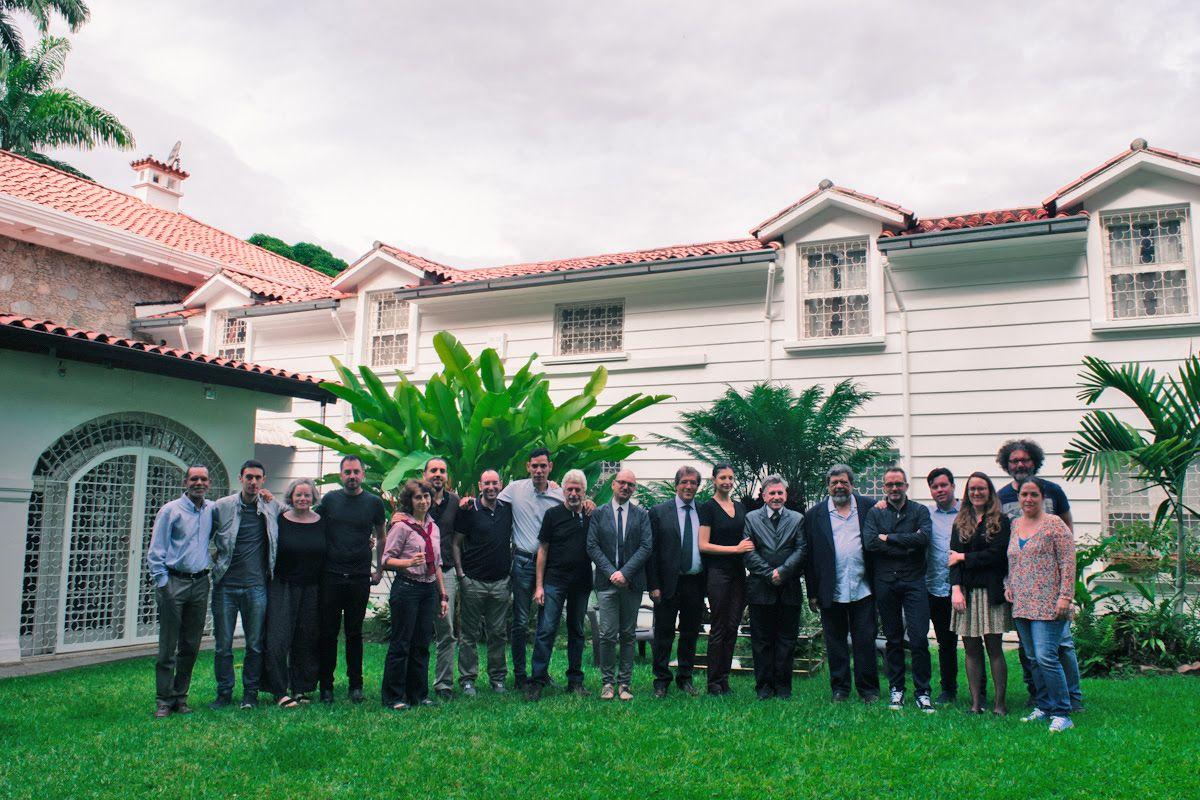 "Todos los participantes de ""DISIO. Nostalgia del futuro"". Foto: Oriana Abello"