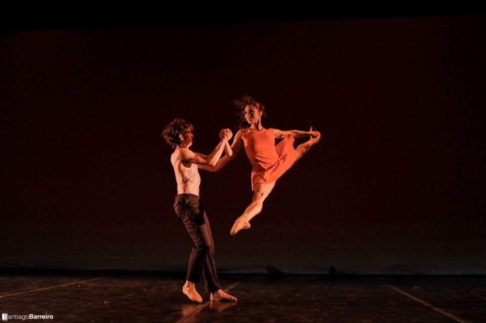 Coreografía: Cosmopolita, de Rosina Gil. Bailarines: Liliana González y Ciro Tamayo. Ballet Nacional de Sodre, Auditorio Adela Reta, 2015. Fotografía> Santiago Barreiro