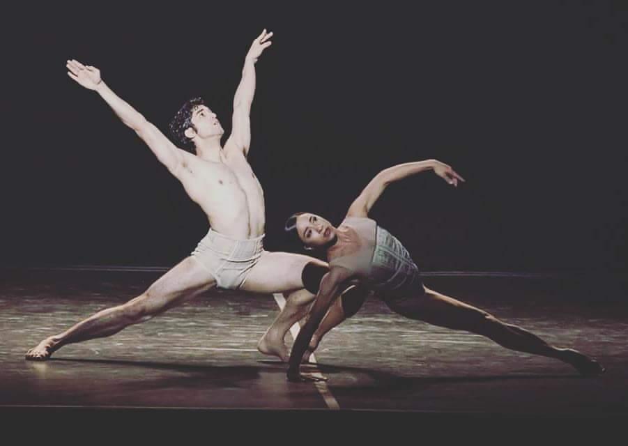 Coreografía: Petite Mort (1991), de Jiří Kylián. Bailarines: Liliana González y Sergio Muzzio. Ballet Nacional de Sodre, Auditorio Adela Reta, 2016. Fotografía: Santiago Barreiro