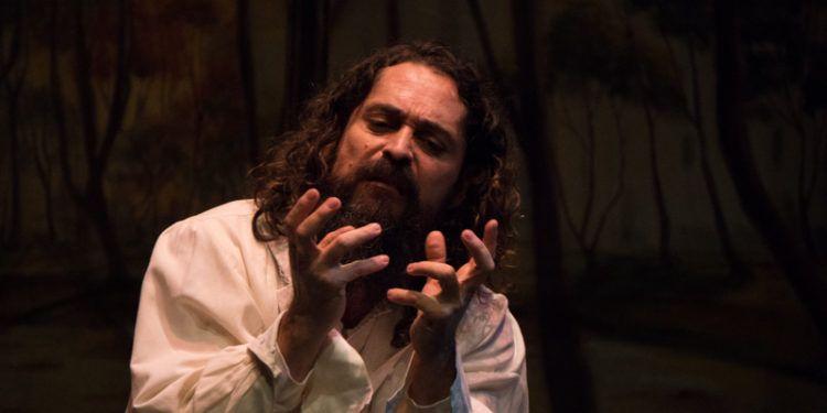 Juvel Vielma interpreta al escritor ruso Mijail Bulgakov Foto: Daniel Dannery
