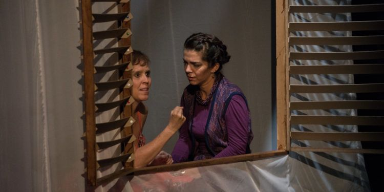 """Mariela Suárez y Matilda Corral en """"Casa de Muñecas"""" Foto: Daniel Dannery"""