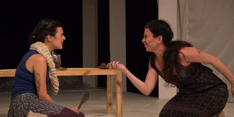 Las actrices  del montaje: Oriana Álvarez y Lya Bonilla Foto: Daniel Dannery