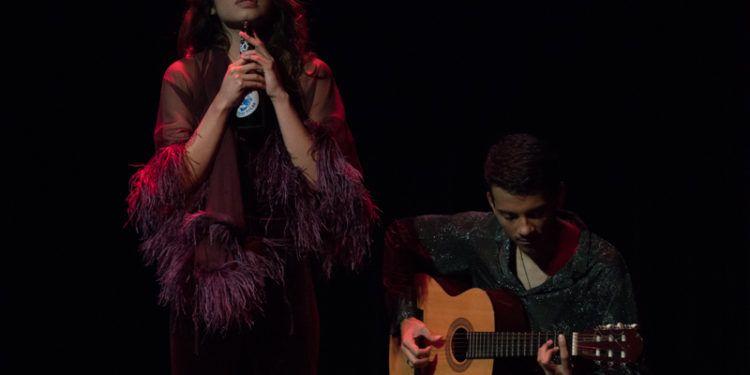 Sthefany Marquina y Álvaro Rjas Díaz en la guitarra Foto: Daniel Dannery