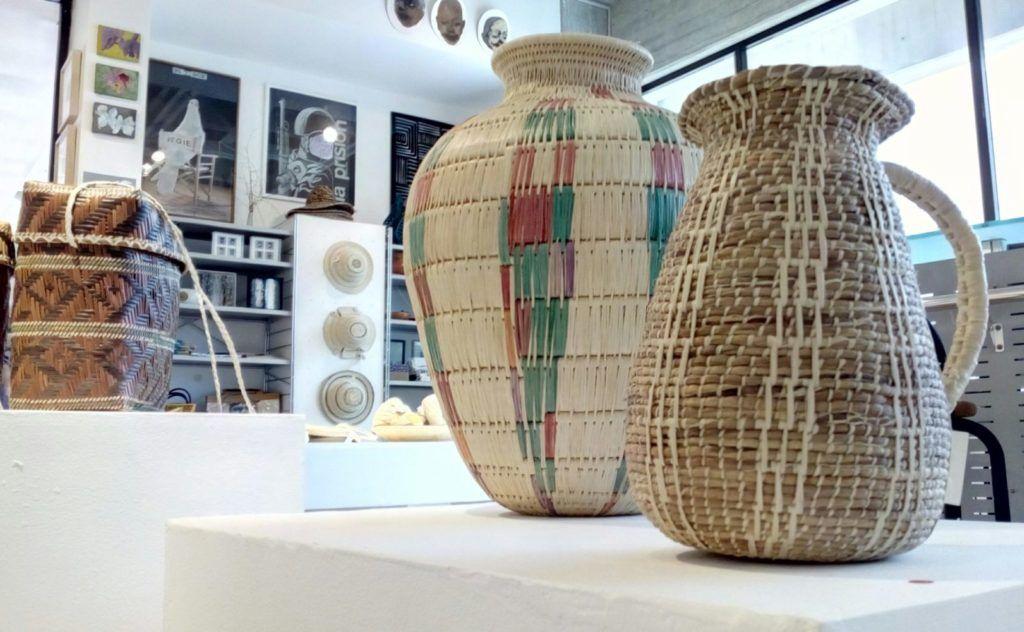 Jarrones elaborados por artesanos guarao en el Delta del Orinoco