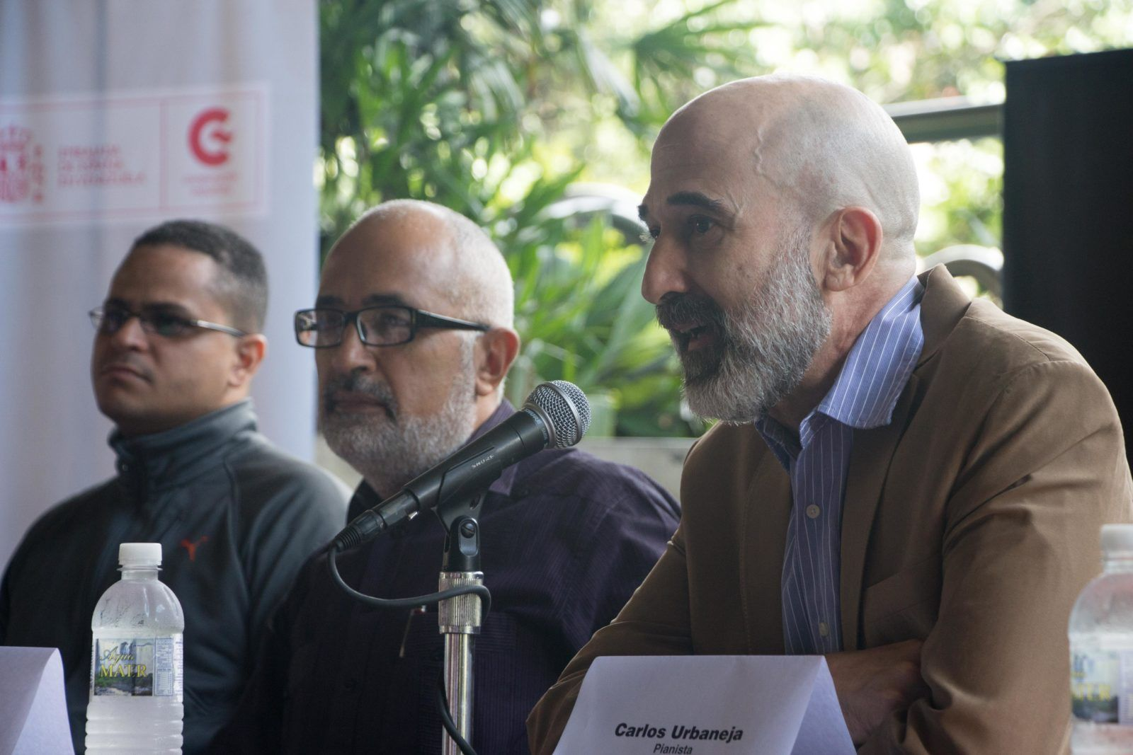 Carlos Urbaneja (pianista), Pedro González (Director de la OSV) y Gustavo Arreaza (Presidente de la Fundación Teatro Teresa Carreño)